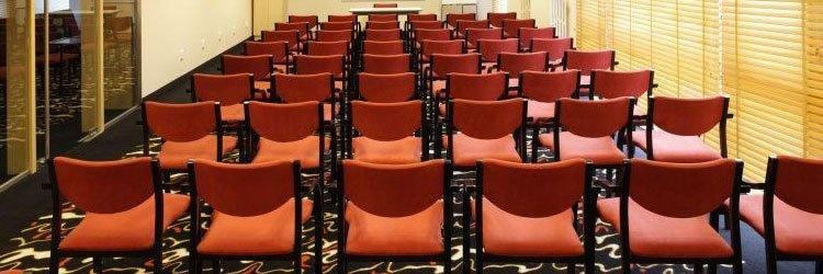 Konferenciák, állófogadások