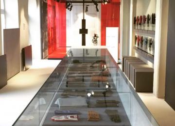 Látogasson el a 150 éves Pécsi Kesztyűmanufaktúrába!