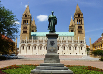 Látogasson el a pécsi székesegyházba,  Magyarország egyik legimpozánsabb templomába!